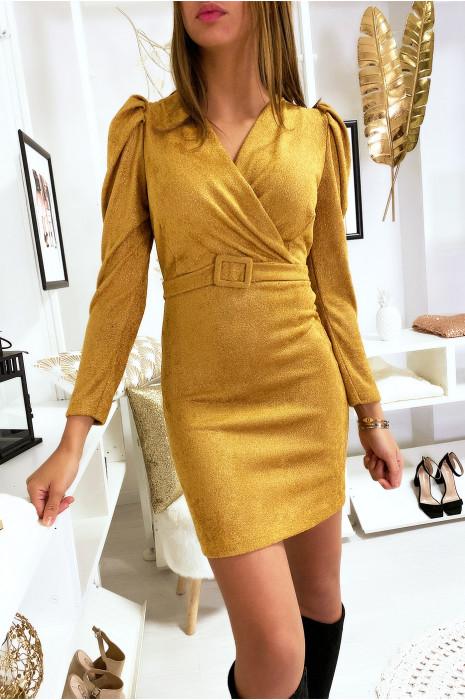 Jolie robe moutarde très douce et brillante croisé devant avec épaule bouffante et ceinture