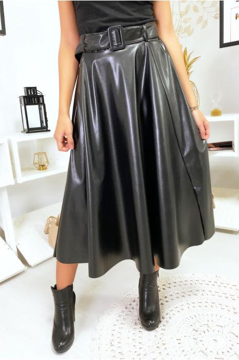 Jolie jupe noir en simili avec ceinture