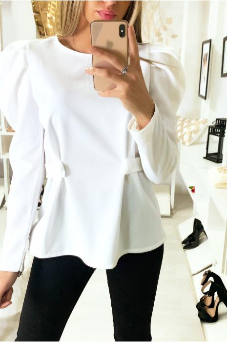 Blouse blanc avec ceinture sur les cotés