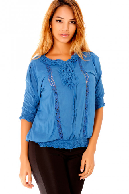 Mid-sleeved blue blouse with elastic at the waist and embroidery on the collar. D1115