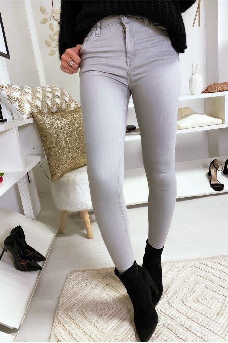 jean slim gris avec bas effilé