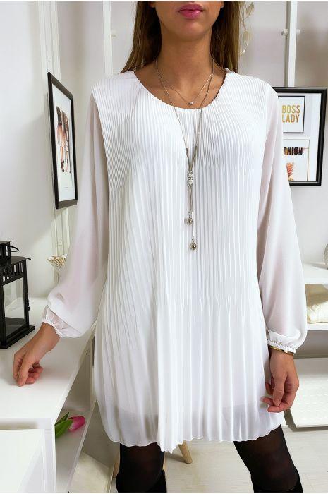 Robe tunique blanche ample et plissé avec collier