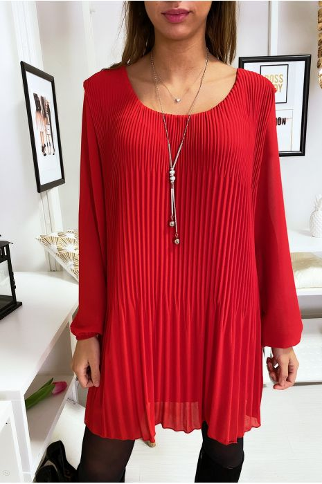 Robe tunique rouge ample et plissé avec collier
