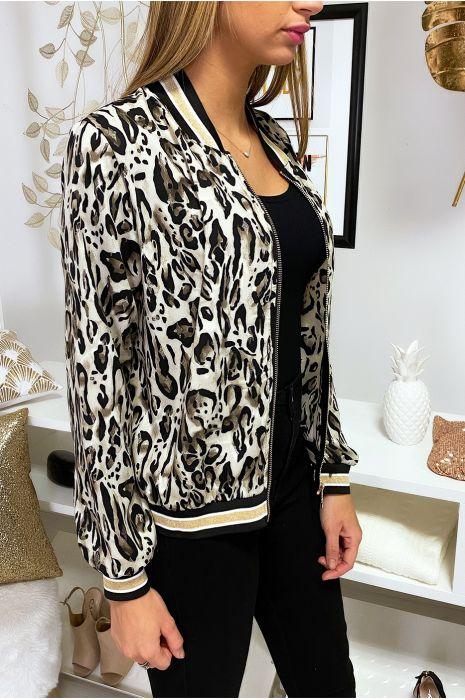 Petite veste beige motif leopard avec col et manches à bandes doré