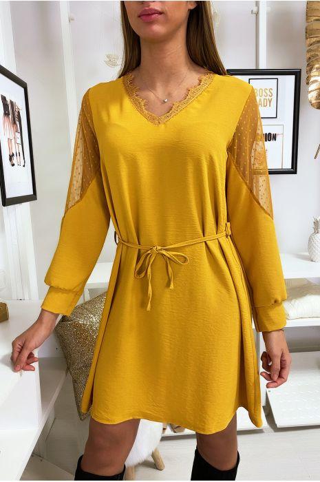 Robe tunique ample en moutarde avec dentelle au col et aux épaules