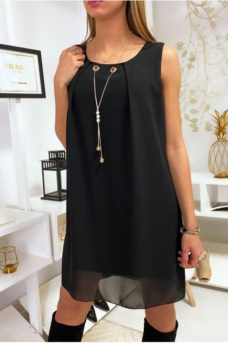 Robe Noire en voilage avec collier et effet dos nu.