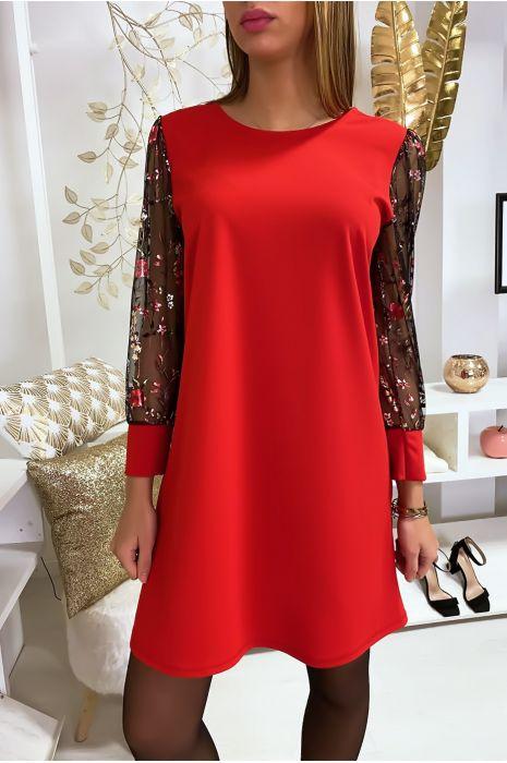 Robe habillée rouge avec manches en toile fleurie et noeud dans le dos