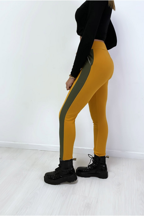 Jogging moutarde avec bande kaki et poche