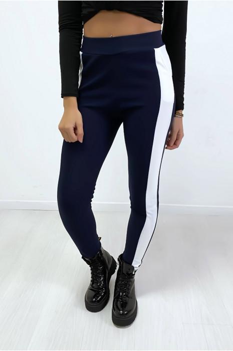 Jogging marine avec bande blanche et poche