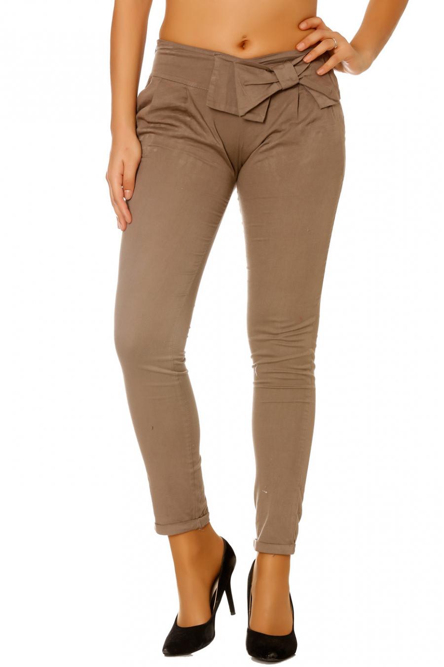 Pantalon taupe avec papillon a la taille. Pantalon femme pas cher