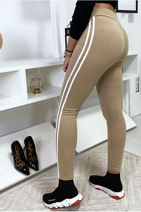 Legging beige avec deux bandes blanches sur les cotés