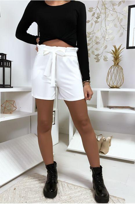 Witte korte broek met stropdas taille