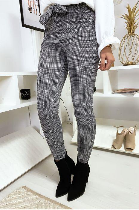 Pantalon slim à carreaux avec poches et ceinture