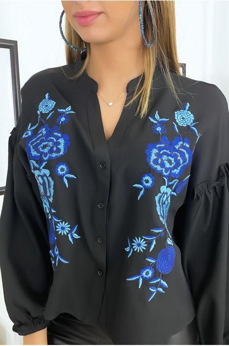 Chemise noir avec manches bouffante et broderie devant