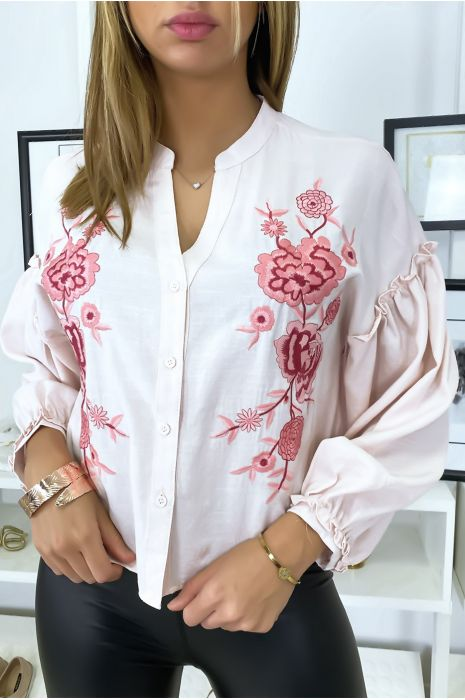 Roze overhemd met pofmouwen en borduursel op de voorzijde