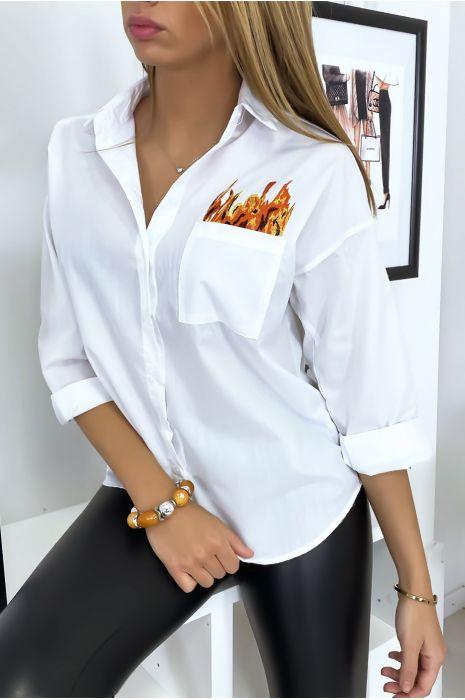 Chemise blanche brodé à l'avant et à l'arrière