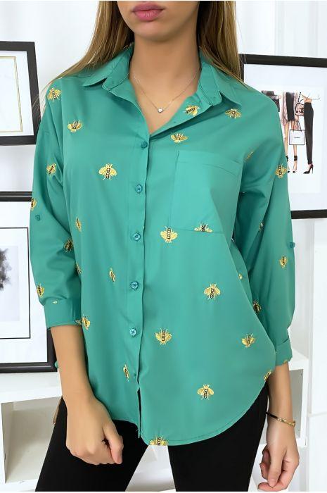 Chemise vert avec broderie en forme d'abeille