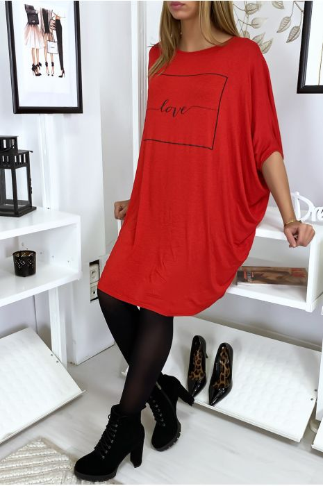 "Grande robe rouge à inscription ""Love"""