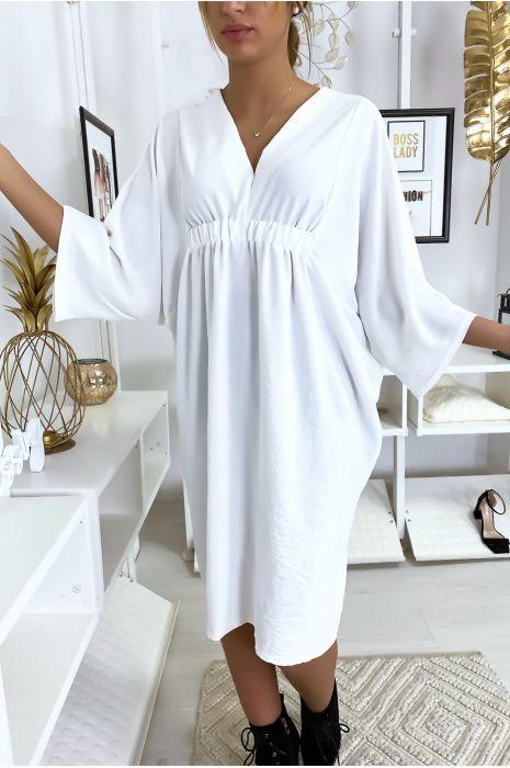 Robe classe blanche à manches courtes