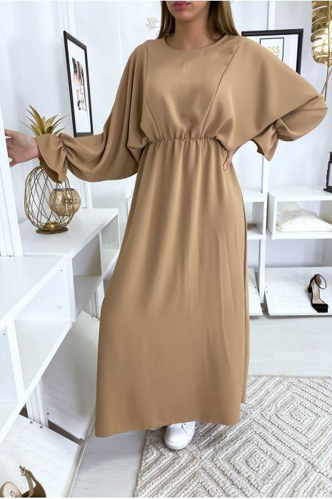Lange beige jurk met ronde hals