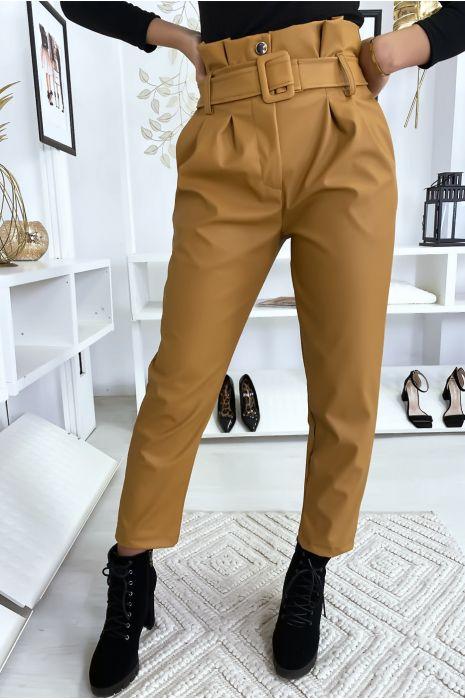 Pantalon camel simili cuir à ceinture