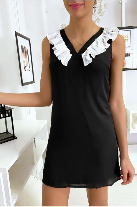 Robe noir courte et légère, avec détails buste