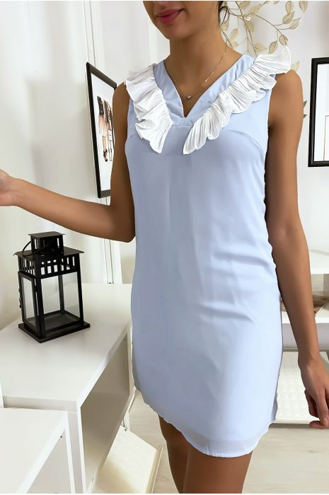 Robe bleu courte et légère, avec détails buste