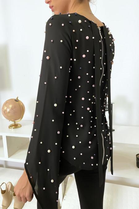 Soepelvallende zwarte top met parels