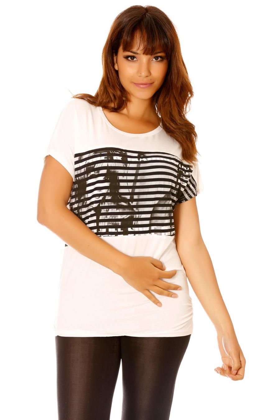 Tee-shirt blanc effet manche chauve-souris et à imprimés. MC1797