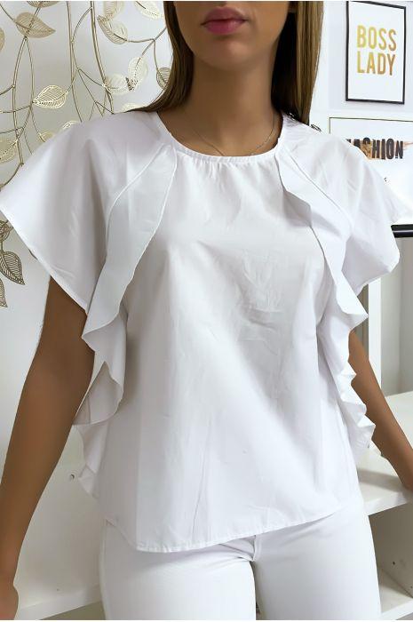 Witte blouse met ruche en drie knoopjes op de schouders