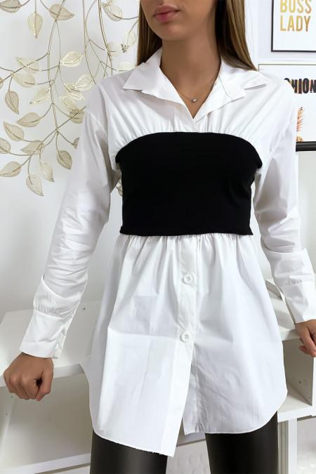 Ensemble chemise blanche et corset noir