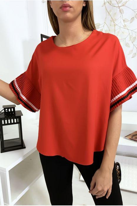 Zeer chique blouse in rood, losvallend model met geplooide mouwen