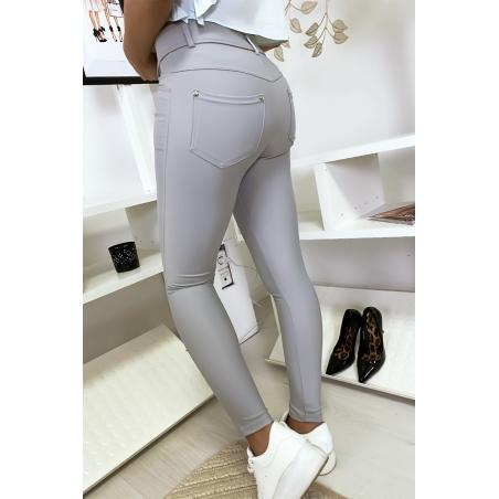 Pantalon slim gris avec poche et boutons strass. Mode femme 9934