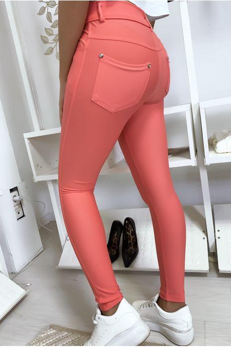 Pantalon slim rose avec poche et boutons strass. Mode femme 9934