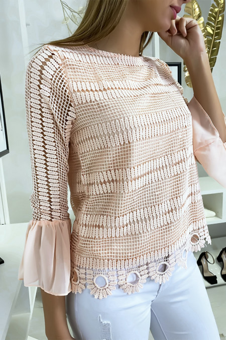 Pink lace-lined blouse with flounce on the sleeves