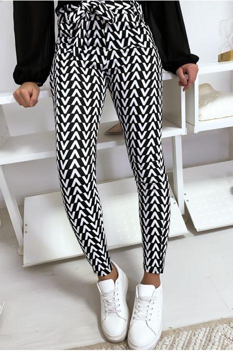 Pantalon slim noir et blanc motif V avec poche et ceinture