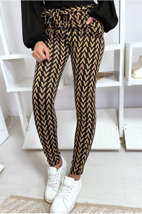 Smalle broek in zwart en camel met V-patroon, zak en riem