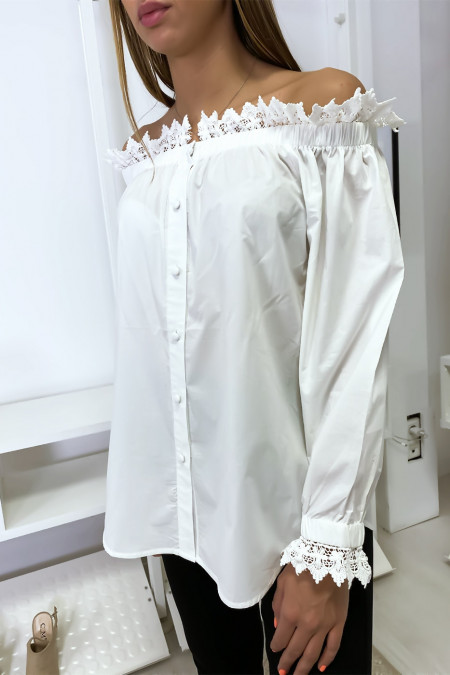 White blouse buttoned boat neck with lace