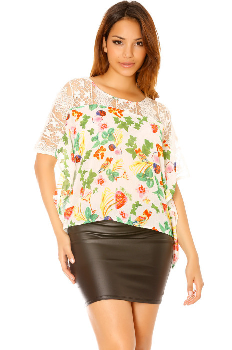 White floral t-shirt with lace insert. Top F6275