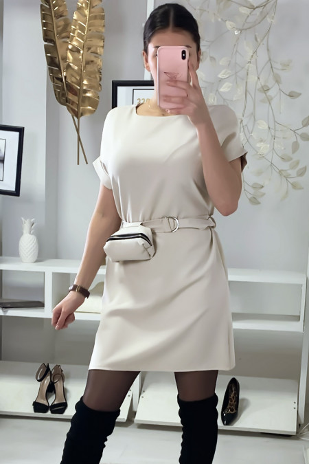 Zeer chique beige jurk met buidel