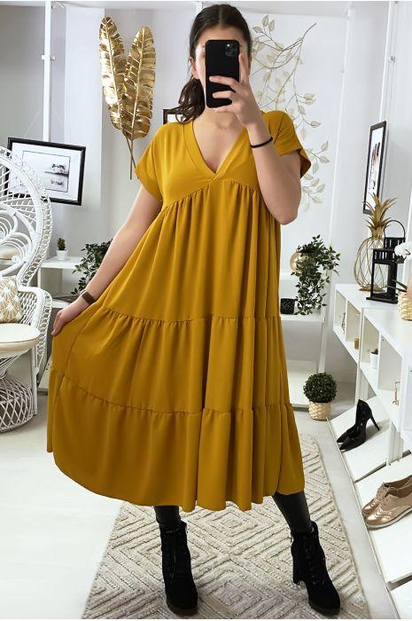 Longue robe tunique col V à volant en moutarde