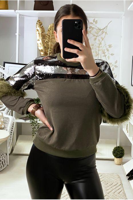 Kaki sweatshirt met strass steentjes en synthetisch bont