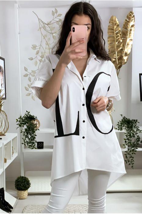 Longue chemise blanche avec écriture LOVE