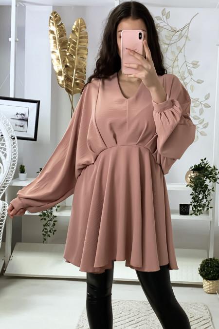 Robe tunique rose col V avec plis à l'avant