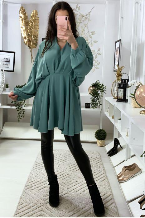Robe tunique vert d'eau col V avec plis à l'avant