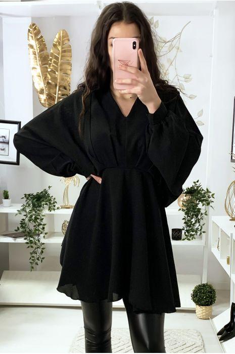 Robe tunique noir col V avec plis à l'avant