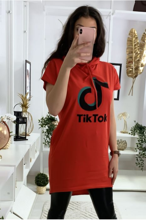 Tunique à capuche rouge avec écriture tik tok et capuche