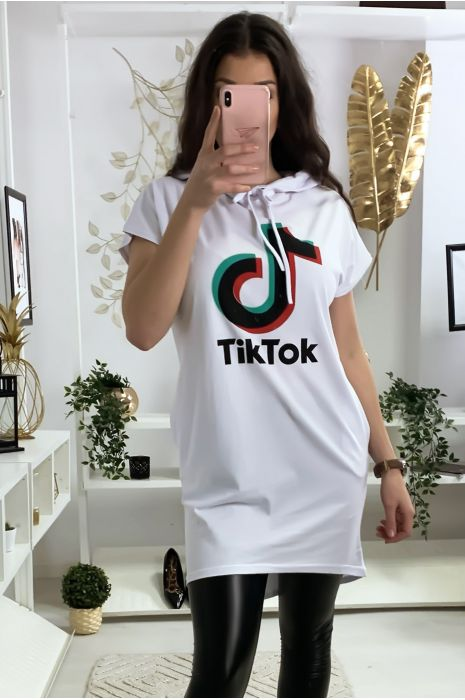 Tunique à capuche blanche avec écriture tik tok et capuche