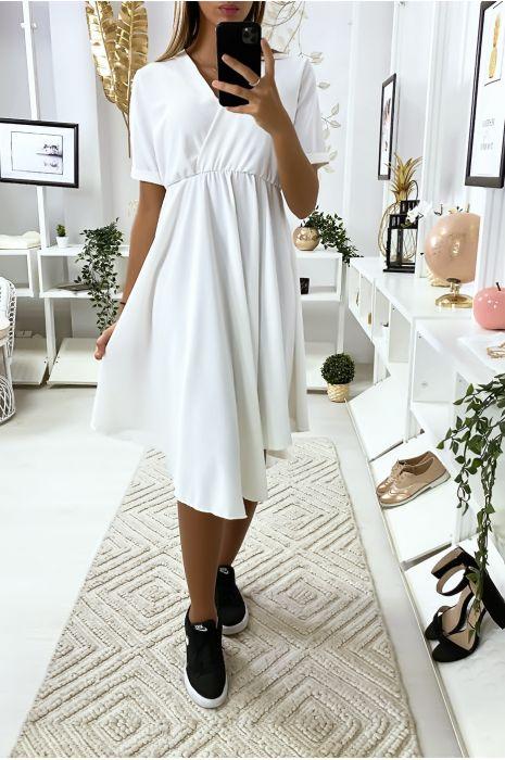 Robe blanche croisé au buste très tendance