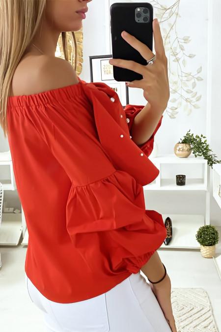 Rode blouse met vlinders versierd met strass steentjes aan de voorzijde